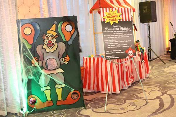 Haunted Carnival clown toss